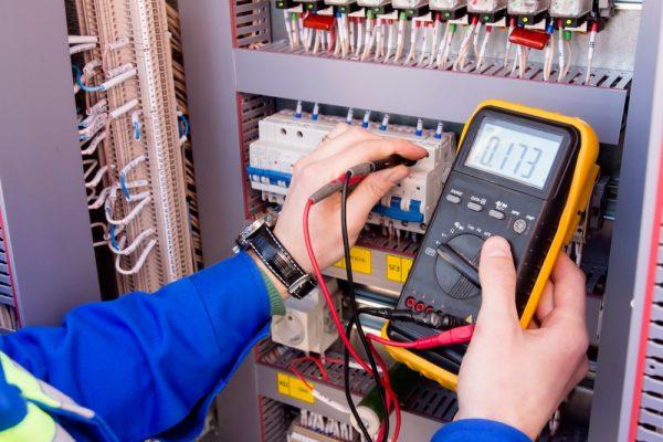 Veel voorkomende elektrische gevaren op de werkplek